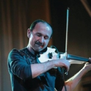 Julian Gregory, violin