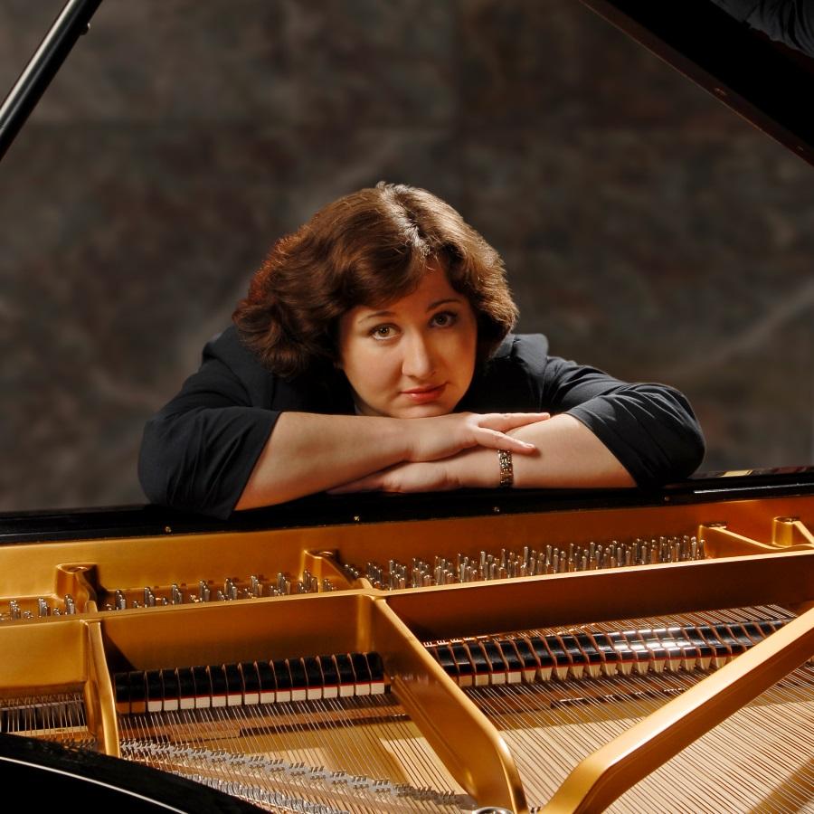 Sofya Gulyak, piano